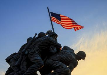 iwo jima flag raising sculpture history american flag